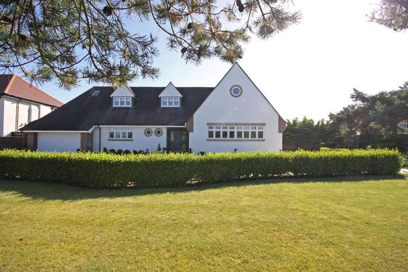 5 Bedrooms Detached House for sale in Sandringham Road, Birkdale, Southport, PR8 2JZ