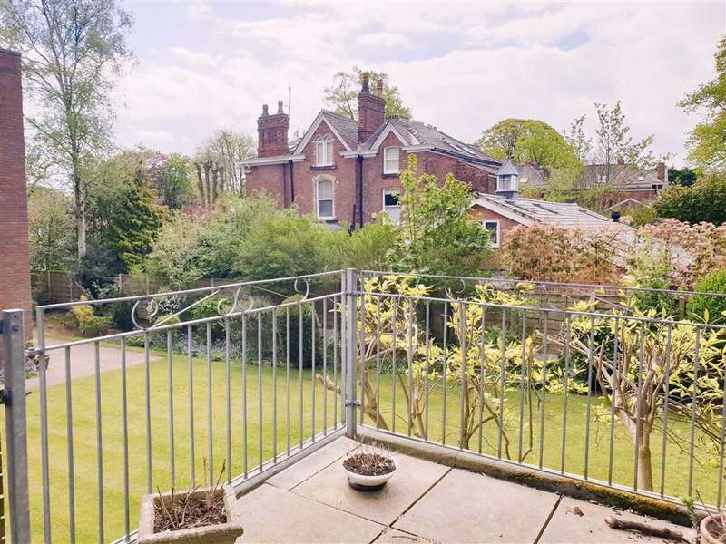 2 Bedrooms Apartment Flat for rent in Denewood Court, Queens Road, WILMSLOW