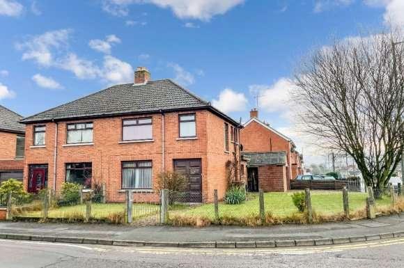 3 Bedrooms Semi Detached House for rent in Warren Gardens, Lisburn, BT28