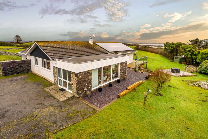 4 Bedrooms Detached Bungalow for sale in Rhoscolyn, Anglesey, LL65