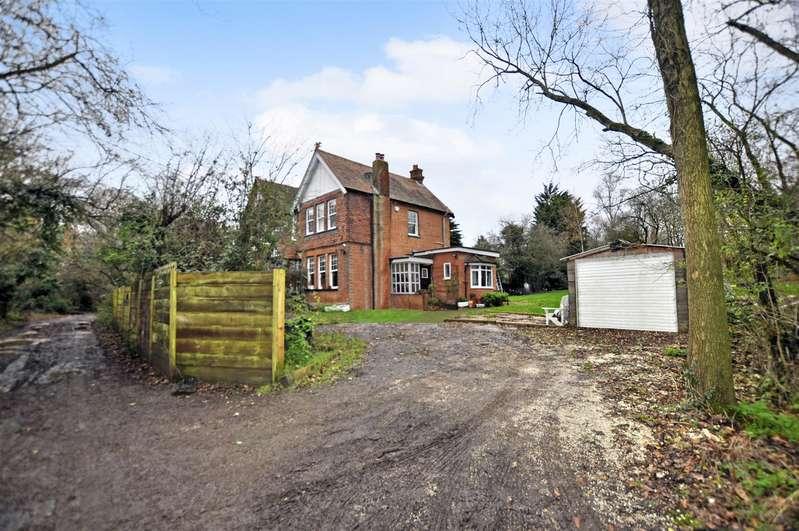 4 Bedrooms House for sale in Catherine Road, Benfleet