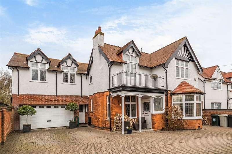 4 Bedrooms Detached House for sale in St Andrews Drive, Skegness, Lincs, PE25 1DL