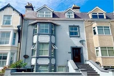 Flat for rent in Lloyd Street, Llandundo, LL30 2YA
