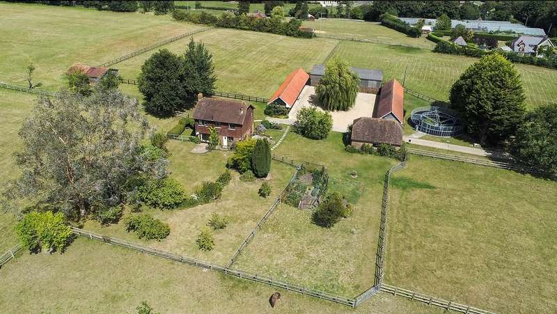 3 Bedrooms Detached House for sale in Pulborough WEST SUSSEX