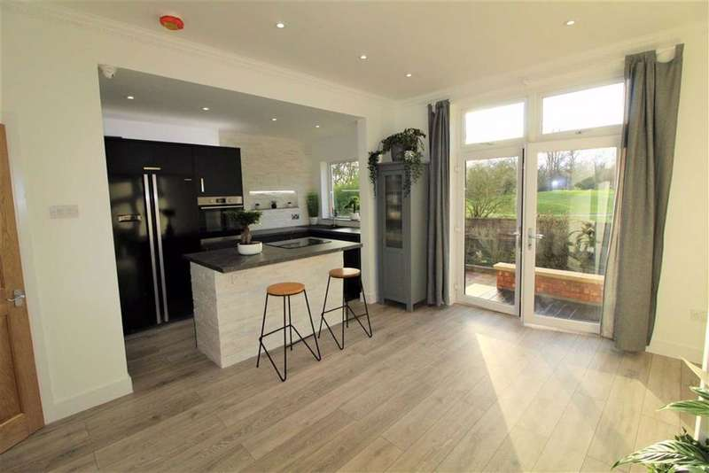 3 Bedrooms Semi Detached House for sale in Woodland Road, Burnage, Manchester
