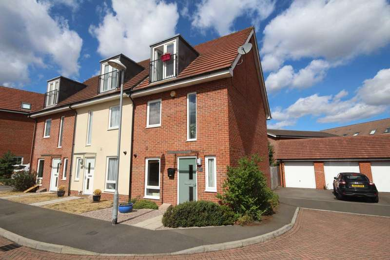 3 Bedrooms Town House for rent in Typhoon Close, Bracknell