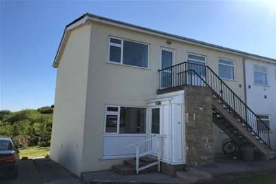 2 Bedrooms Flat for rent in Saundersfoot