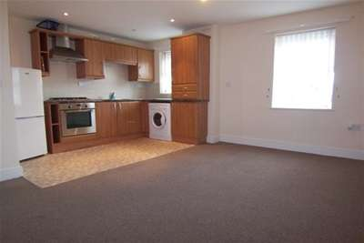 2 Bedrooms Flat for rent in Sandringham Court, Chester le Street
