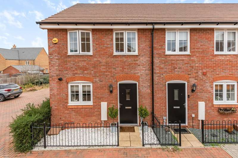 2 Bedrooms End Of Terrace House for sale in Cavell Mews, Flitwick, MK45