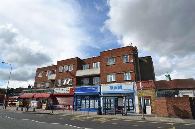 3 Bedrooms Apartment Flat for sale in Cranbrook Road, Gants Hill, Gants Hill