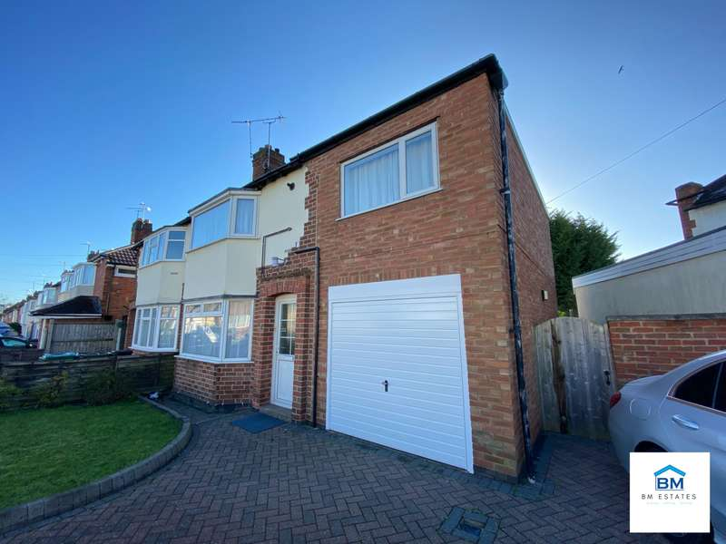 4 Bedrooms Semi Detached House for rent in Kingston Avenue, Wigston, LE18