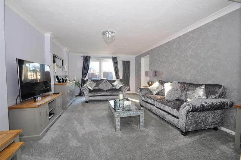 3 Bedrooms Terraced House for sale in Howlands, Welwyn Garden City