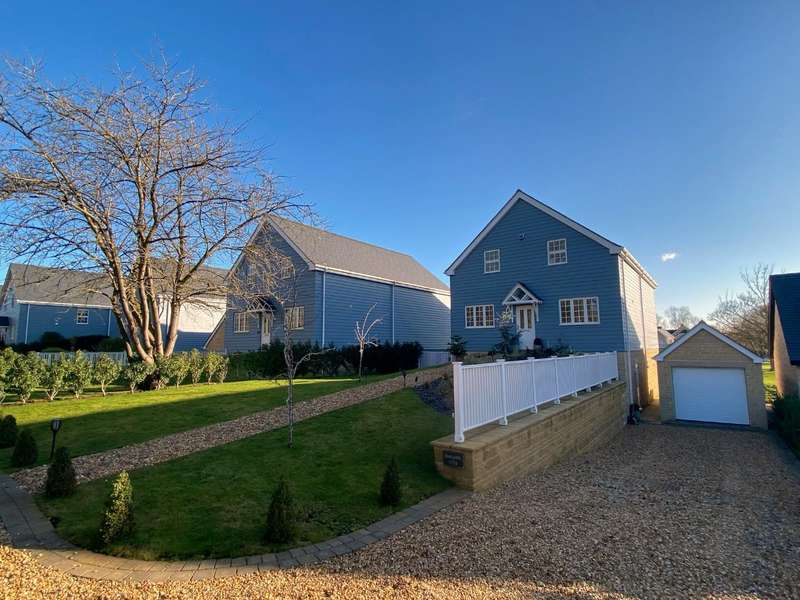 4 Bedrooms Detached House for sale in Waters Edge, Wansford, Peterborough