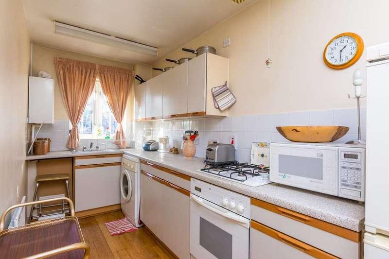 1 Bedroom Flat for sale in Arragon Road, Southfields, SW18