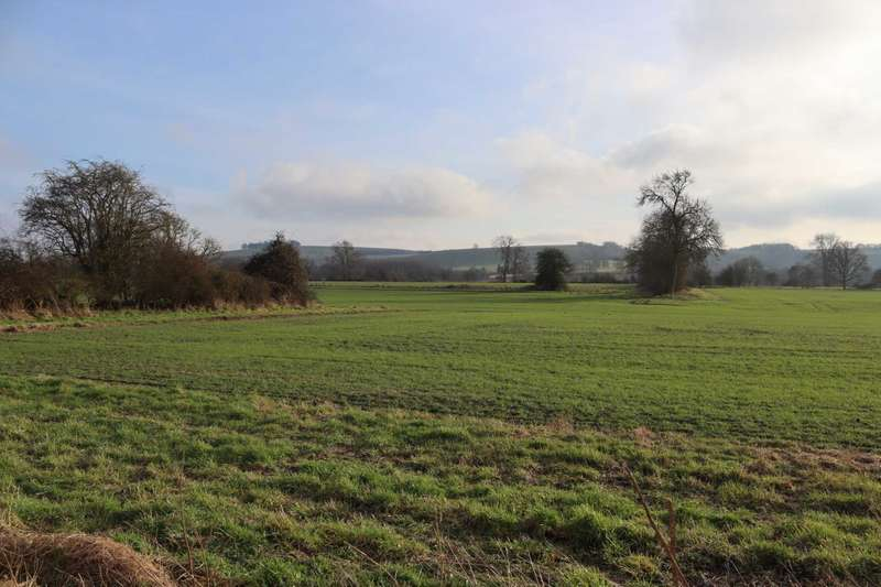 3 Bedrooms Semi Detached House for sale in Burbage Road, Milton Lilbourne, Pewsey, SN9 5LP