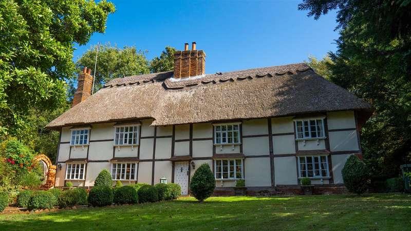 10 Bedrooms Detached House for sale in Milstead, Sittingbourne, Kent, ME9