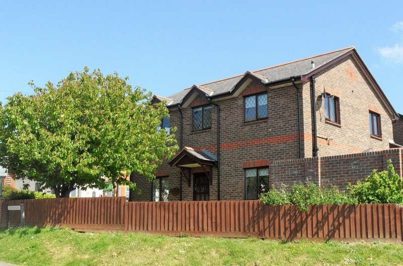 4 Bedrooms Detached House for sale in Upper Green Road, St. Helens