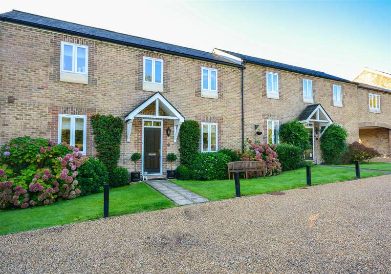 2 Bedrooms Terraced House for sale in Frederick Thatcher Place, Battle
