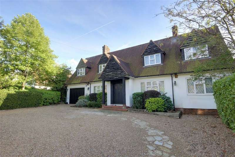 5 Bedrooms Detached House for sale in Brookmans Avenue, Brookmans Park, Hertfordshire
