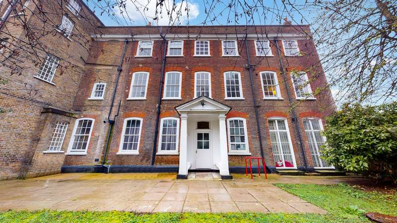1 Bedroom Flat for sale in Little Ealing Lane, Ealing , London, W5 4EA