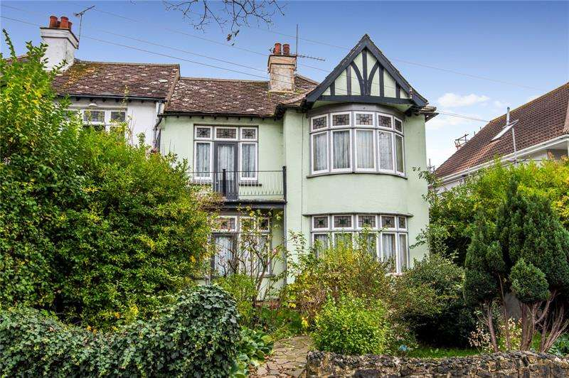 4 Bedrooms Semi Detached House for sale in Cossington Road, Westcliff-on-Sea, SS0