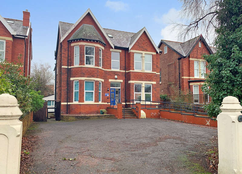 10 Bedrooms Detached House for sale in Norwood Avenue, Southport