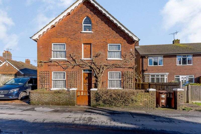 5 Bedrooms Property for sale in Garfield Road, Hailsham, BN27