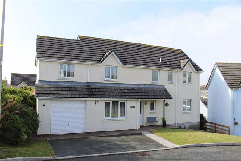 5 Bedrooms Detached House for sale in Lavinia Drive, Pembroke Dock