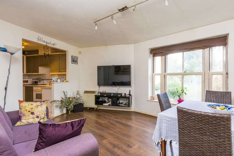 2 Bedrooms Flat for sale in Bessborough Road, Putney, SW15