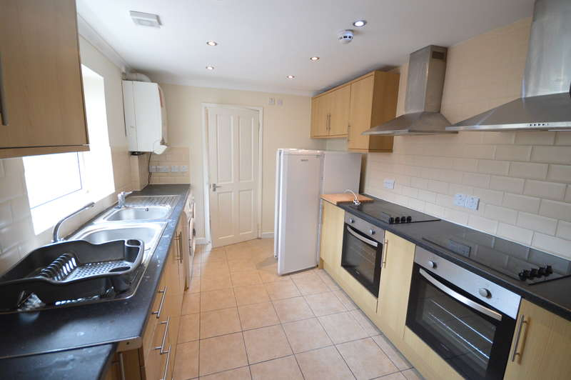 7 Bedrooms Terraced House for rent in Donald Street, Roath, Cardiff