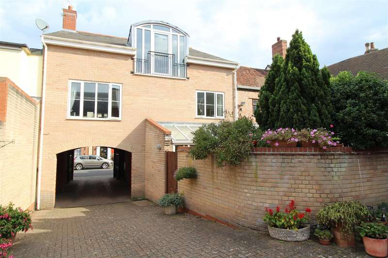 5 Bedrooms Detached House for sale in Risbygate Street, Bury St. Edmunds