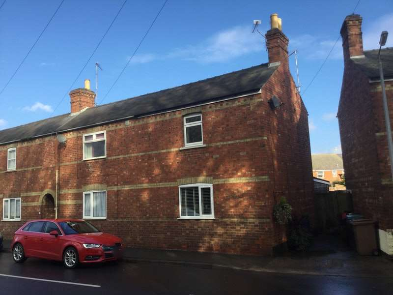2 Bedrooms Semi Detached House for sale in Mareham Lane, Sleaford, Lincolnshire, NG34