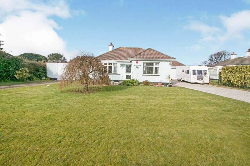 2 Bedrooms Detached Bungalow for sale in Rectory Road, Camborne, Cornwall, TR14