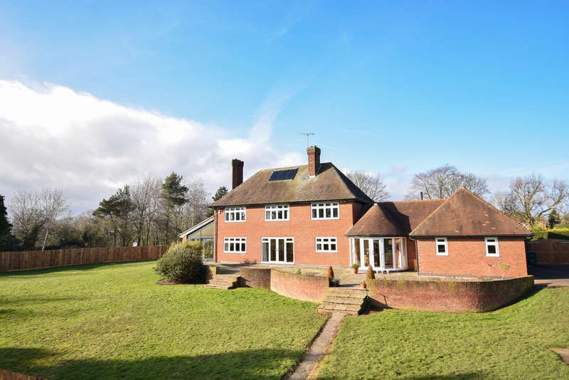 5 Bedrooms Detached House for sale in Burton Road, Repton