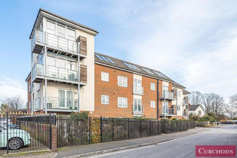 2 Bedrooms Flat for sale in Govett Avenue, Shepperton, TW17