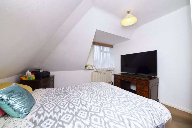 2 Bedrooms Flat for sale in Granville Place, North Finchley, London, N12