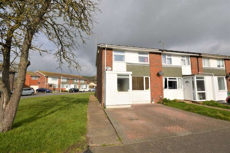 3 Bedrooms End Of Terrace House for rent in Robins Close, Hythe, Kent