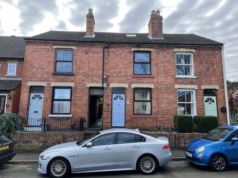 3 Bedrooms Terraced House for sale in Wide Street, Loughborough, Leicestershire, LE12