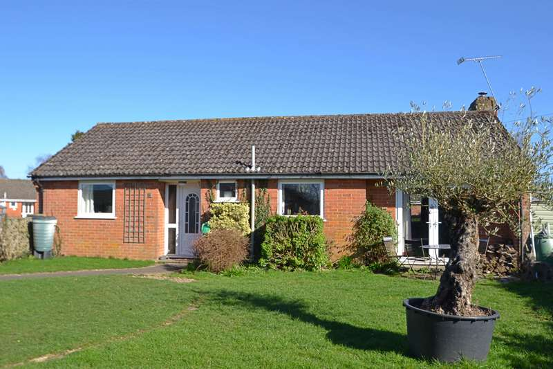3 Bedrooms Bungalow for sale in Fordingbridge