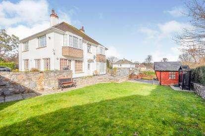 3 Bedrooms Detached House for sale in Buckfastleigh, Devon