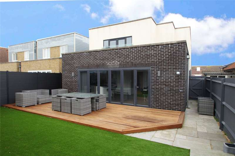 5 Bedrooms Detached House for sale in The Meadway, Shoreham Beach, Shoreham By Sea, BN43
