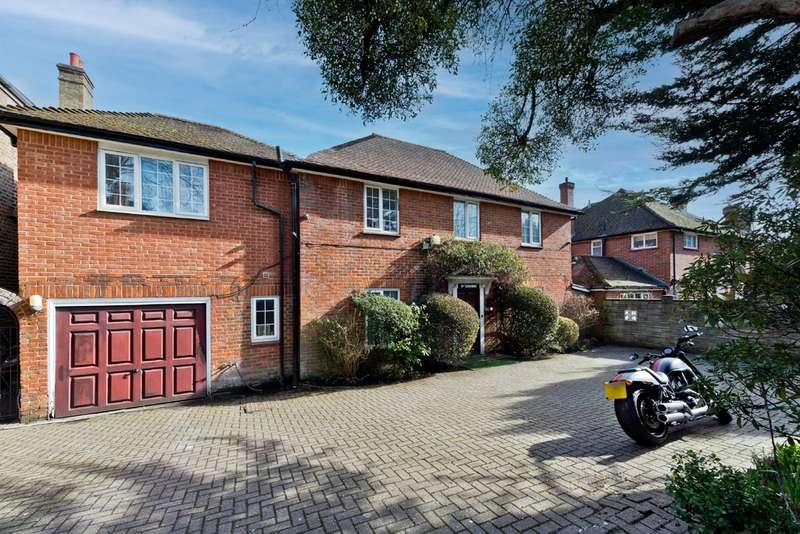 5 Bedrooms Detached House for sale in Upper Brighton Road, Surbiton