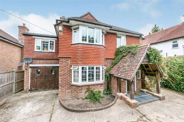 5 Bedrooms Detached House for sale in Manor Way, GUILDFORD, Surrey