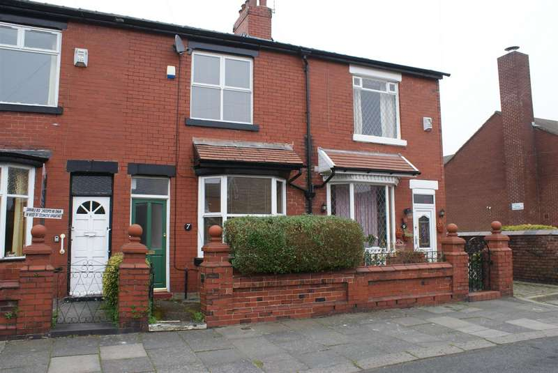 2 Bedrooms House for rent in Copgrove Road, Chorlton, Manchester