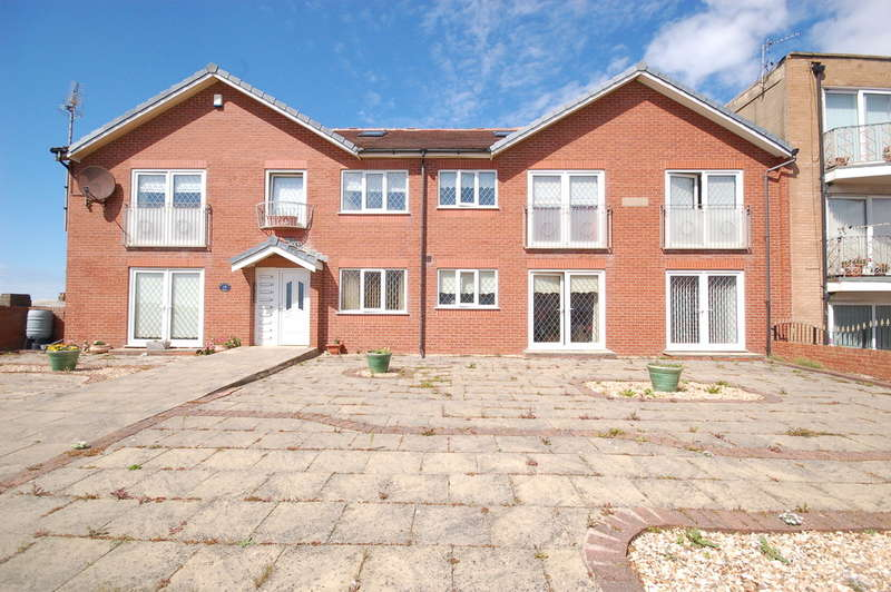 2 Bedrooms Ground Flat for sale in Harrowside, Blackpool