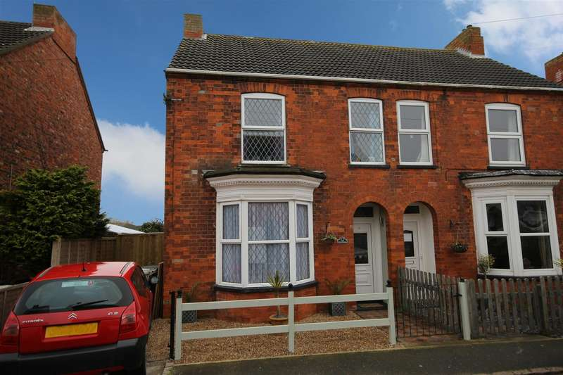 4 Bedrooms Semi Detached House for sale in Moreland Avenue, Sutton-On-Sea