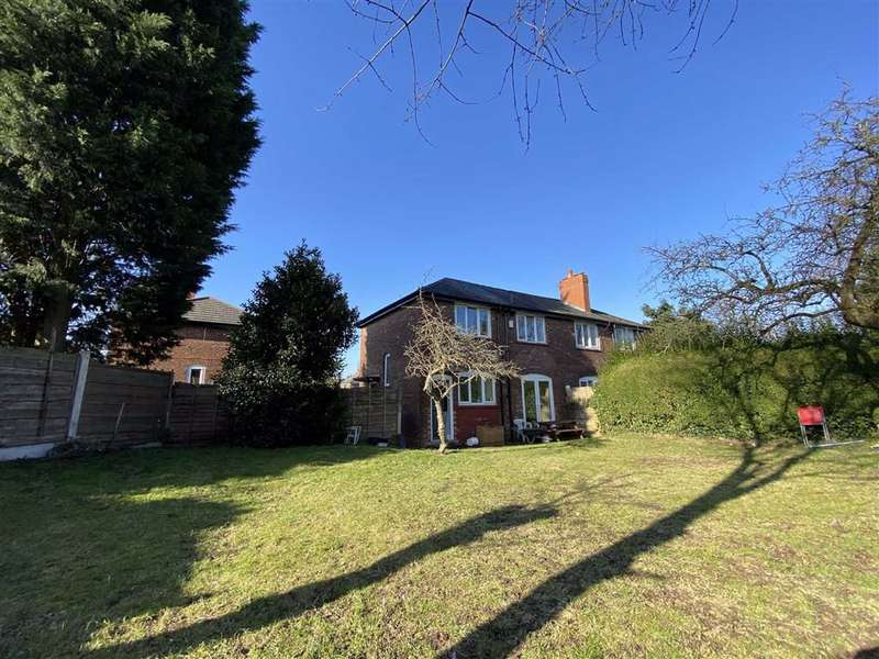3 Bedrooms Semi Detached House for rent in Littler Avenue, Chorlton