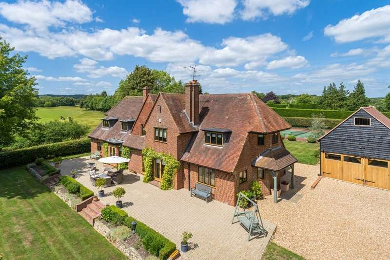 5 Bedrooms Detached House for sale in Badgemore, Henley-on-Thames, RG9