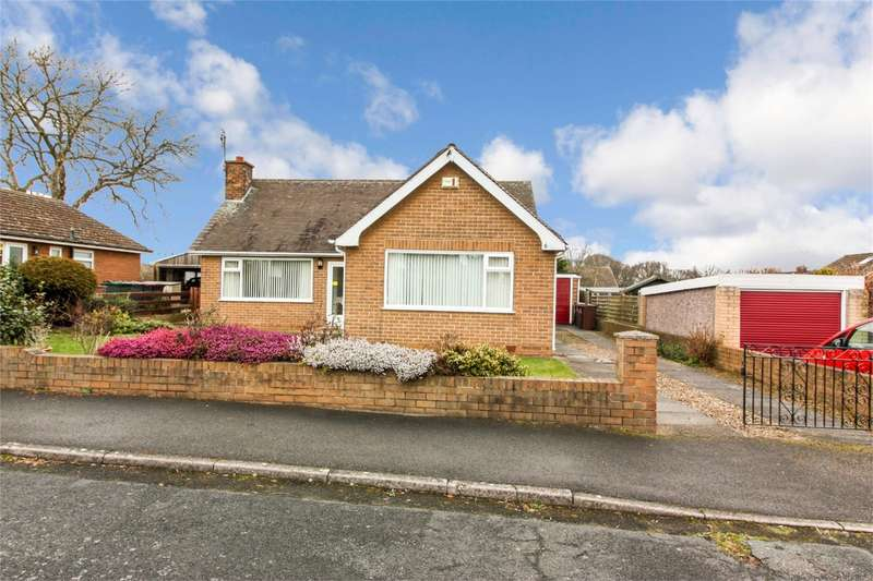 3 Bedrooms Detached Bungalow for sale in Harrop Drive, Swinton, MEXBOROUGH, South Yorkshire