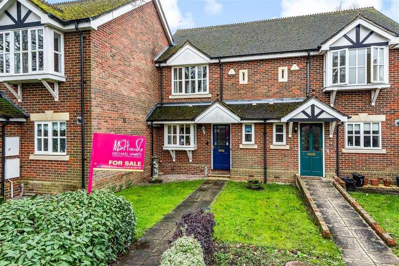 2 Bedrooms Terraced House for sale in Denton Road, Wokingham, Berkshire, RG40 2DZ